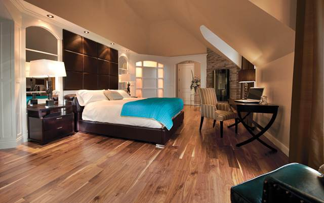 Knotty Walnut Natural Hardwood Floor in a Bedroom