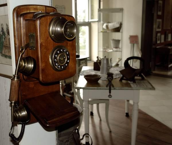 Vintage Telephones 1