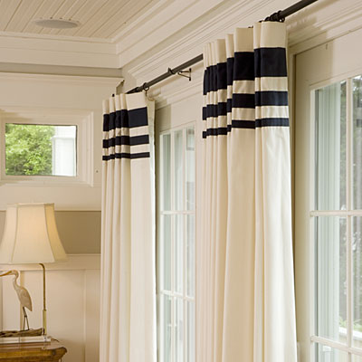 How a window treatment affects the décor of a room 3