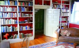 6 Simple Yet Highly Effective Ways to Make a Space-saving Library in Your Home 1