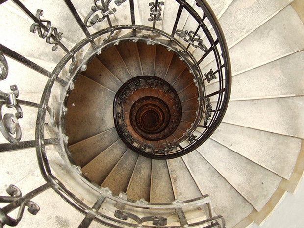 Make your Home Gorgeous with a Spiral Staircase 1