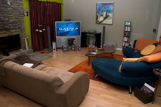 Nice Living Room Sitting Arrangement Facing TV