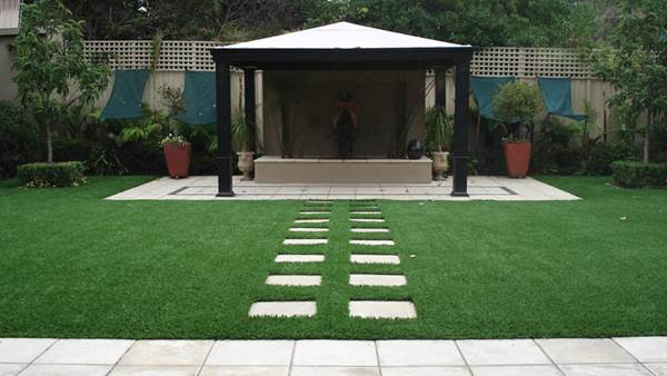 Low-Maintenance Yard Tricks For Busy Homeowners 4
