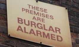 5 Things A Burglar Is Thinking
