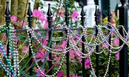 Fast And Fabulous Fence Decorating Ideas
