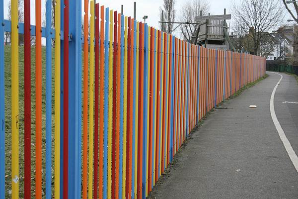 Fast And Fabulous Fence Decorating Ideas 3