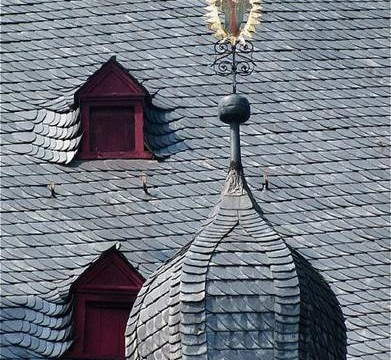 Choosing A New Roof – Which Material Is Best For You?