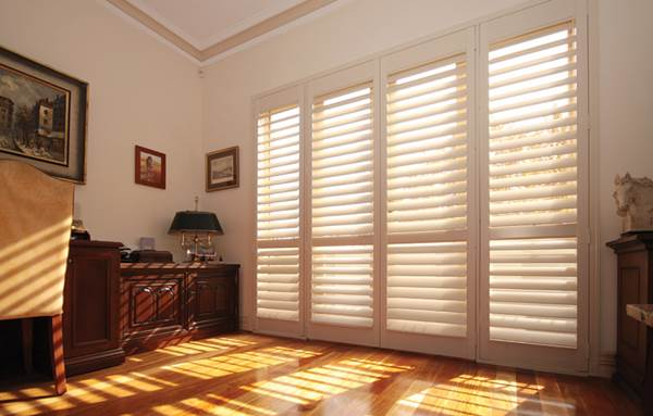 Vinyl Or Wood - Which Material Should You Choose For Window Shutters 3