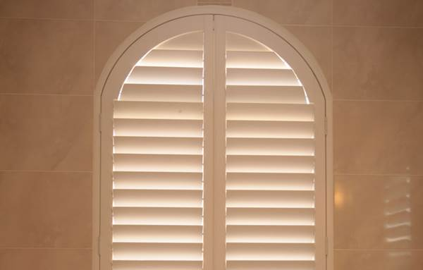 Vinyl Or Wood - Which Material Should You Choose For Window Shutters 4