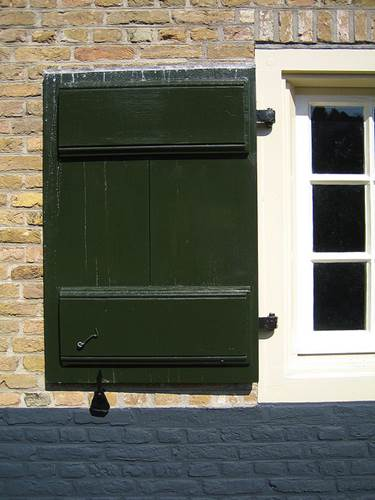 Vinyl Or Wood - Which Material Should You Choose For Window Shutters 5