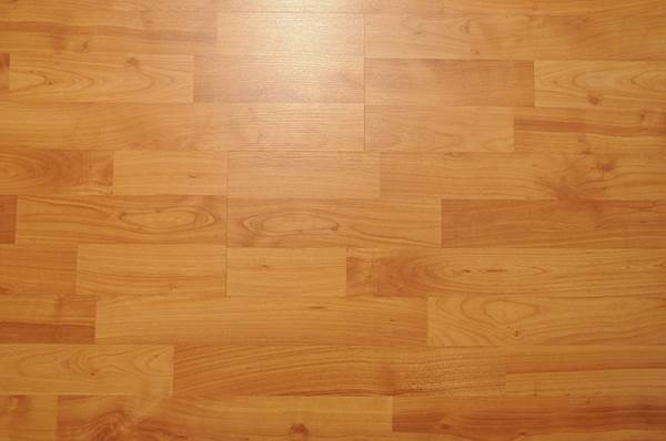 Wood, Carpet or Tile - Which Goes Best At Home 2