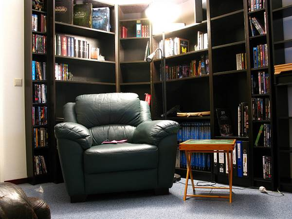 How To Create A 'Reading Corner' For Your Living Room Or Bedroom 2