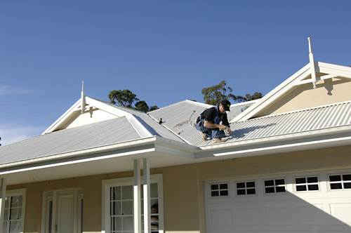 Three Tips For Keeping Your Roof And Gutters In The Best Shape Possible 1