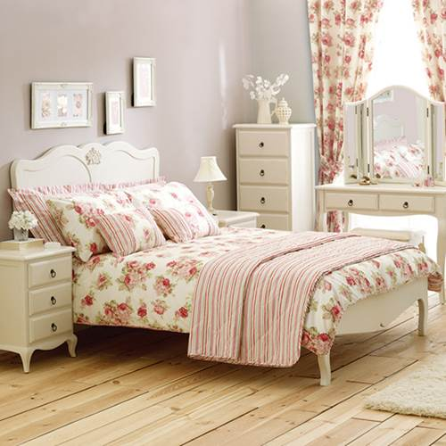 How To Successfully Arrange Bedroom Furniture 1