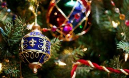 6 Dazzling Color Combinations for the Holidays